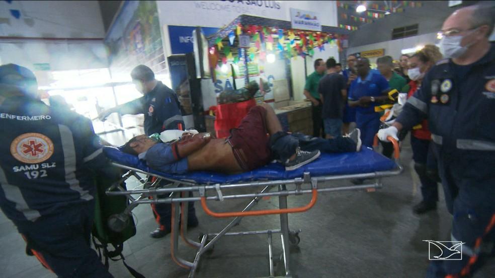 Duas pessoas ficaram feridas durante assalto no Aeroporto de São Luís. (Foto: Reprodução/TV Mirante)