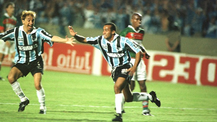 Ailton Final Brasileiro 1996 Grêmio e Portuguesa (Foto: Agência Estado)