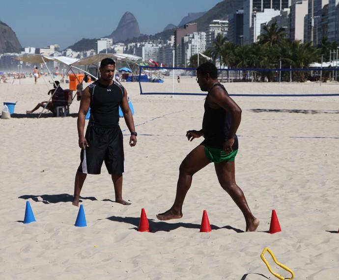 Érico Brás treina corrida em torno dos cones (Foto: Arquivo Pessoal)