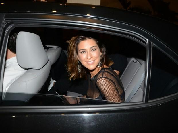 Fernanda Paes Leme chega ao aniversário de Anittta no Rio (Foto: Webert Belicio/ Ag. News)