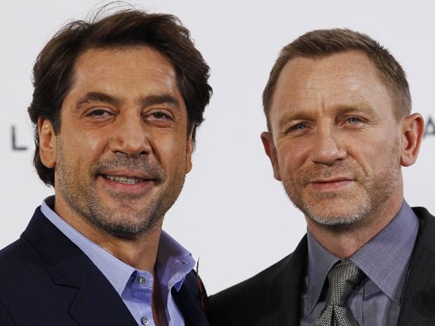 Os atores Javier Bardem e Daniel Craig em Londres, nesta quinta-feira (3), durante anúncio do novo filme de 007 'Skyfall' (Foto: Reuters)