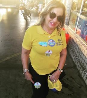 Maria Valmira Silva de Oliveira, mãe de Wesley Safadão, em campanha (Foto: Reprodução)