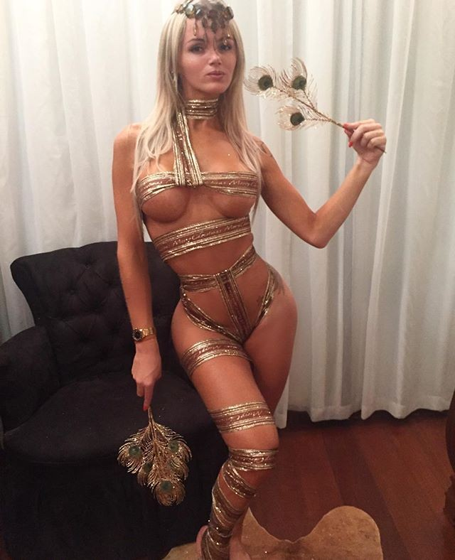 Latinas  Erotic Photos
