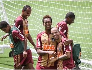 Alecsandro, Jô, Diego Tardelli, Atlético-MG, treino, Cidade do Galo (Foto: Bruno Cantini  / Site Oficial do Atlético-MG)