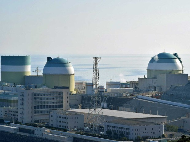 Imagem do reator número 3 da usina nuclear der Ikata (Foto: Jiji Press / via AFP Photo)