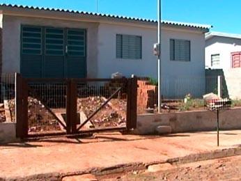 Casa onde os adolescentes estavam no momento do disparo (Foto: Reprodução/RBS TV)