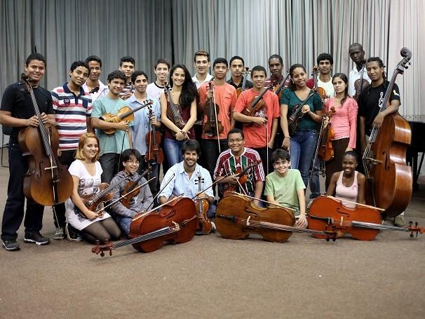 Jovens de todo estado do Rio de Janeiro têm aulas de música na Academia Juvenil da Orquestra Petrobras Sinfônica (Foto: Divulgação/ Orquestra Petrobras Sinfônica)