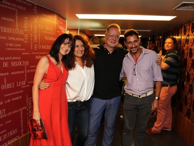 Zezé Polessa, Patrícia Travassos, Luiz Fernando Guimarães e Tuca Andrada em teatro na Zona Sul do Rio (Foto: Anderson Borde/ Ag. News)