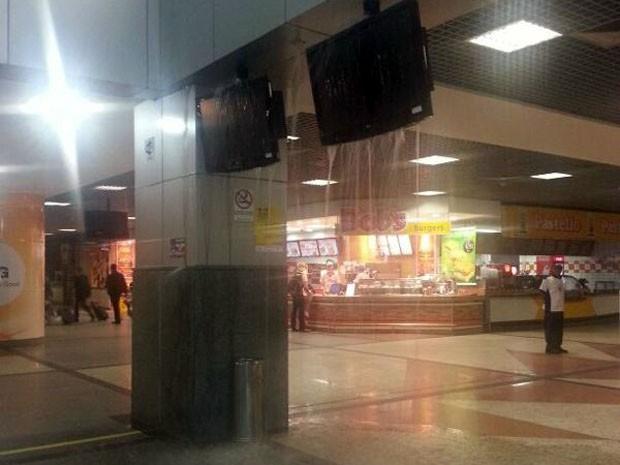 Aeroporto alagamento Salvador (Foto: Guilherme Garrido/Arquivo Pessoal)