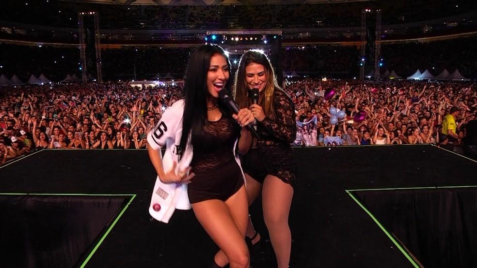 Simone e Simaria se apresentaram em Amargosa (Foto: tv globo)
