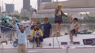Miguel e seus filhos embarcam para uma viagem de barco