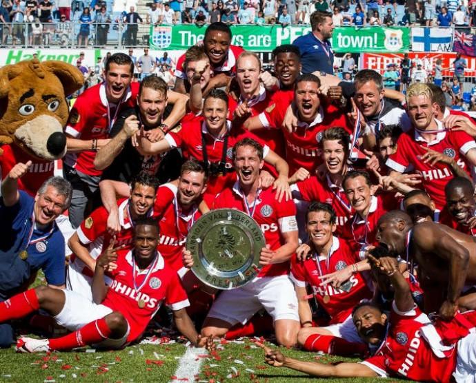 PSV comemora título holandês (Foto: Twitter)