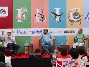 Mesa da Flica neste sábado (17) (Foto: Egi Santana/Flica)