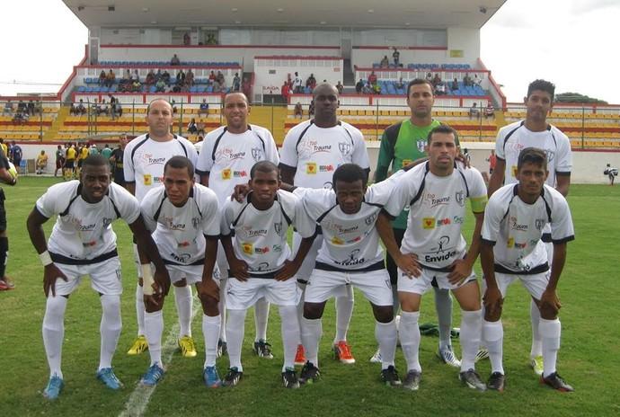Queimados posa antes de mais uma partida (Foto: Felipe Carvalho/Queimados FC)