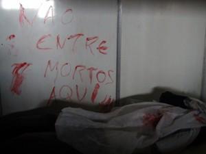 Jogo de zumbi no Gamepólitan, em Salvador (Foto: Ruan Melo/G1)