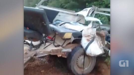 Colisão entre ônibus e kombi deixa um morto e três feridos no Piauí