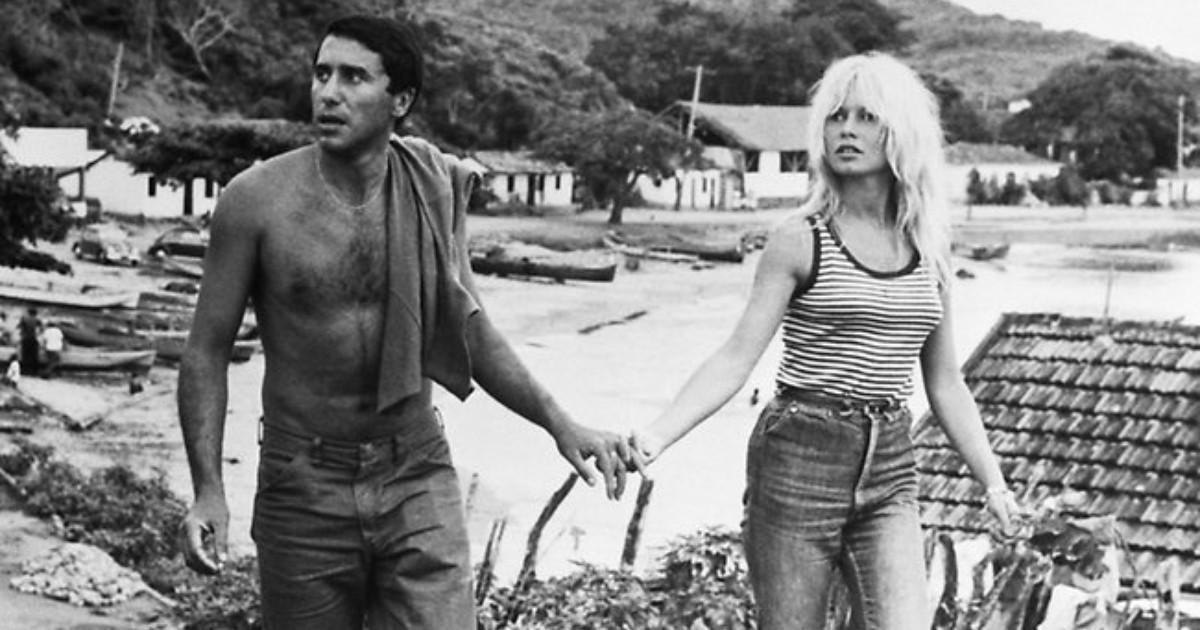 O namoro entre Brigitte Bardot e Bob Zagury (marroquino naturalizado brasileiro) teve como cenário a aldeia de pescadores, paraíso exuberante.