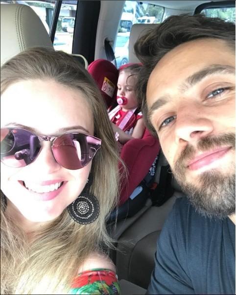 Mariana Bridi, Rafael Cardoso e a filha (Foto: @maribridicardoso)