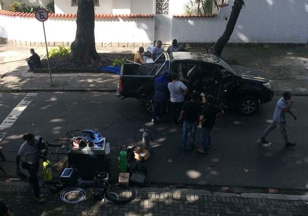 """Elenco e produção grava cena de acidente em """"A Força do Querer"""" (Foto: Reprodução/Facebook)"""