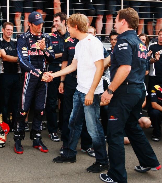 No GP da Inglaterra de 2010, Vettel parabeniza Webber pela vitória (Foto: Getty Images)