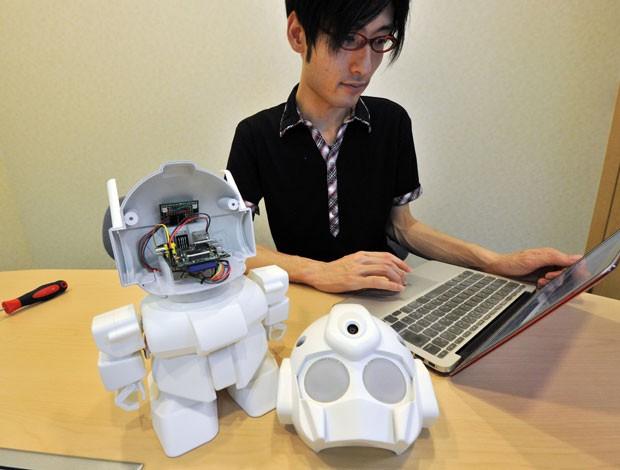 Rapiro usa o Raspberr Pi como cérebro (Foto: Yoshikazu Tsuno/AFP)