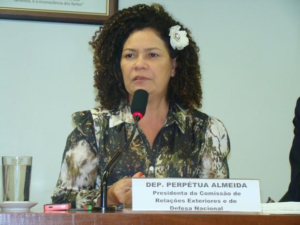 Perpétua Almeida foi escolhida pela Frente Popular para concorrer à vaga ao senado em 2014 (Foto: Arquivo Pessoal)