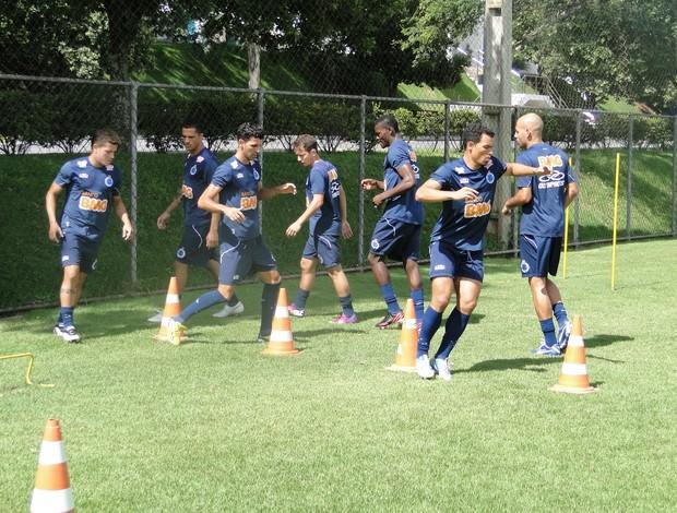 jogadores treino cruzeiro (Foto: (Marco Antônio Astoni / Globoesporte.com))