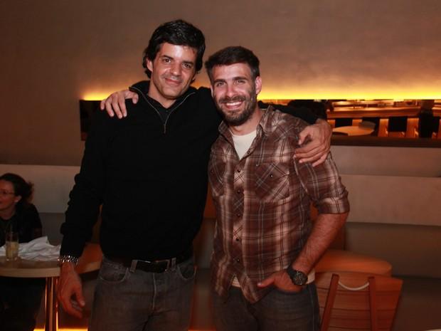 Jorge Pontual e Raoni Carneiro em inauguração de restaurante na Zona Oeste do Rio (Foto: Miguel Sá/ Divulgação)