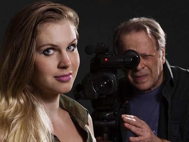 Carolinie Figueiredo interpreta a jovem atriz, papel que havia sido pensado para Larissa, filha de Carlos (Foto: Divulgação)