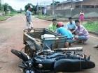 Adolescente fratura perna após colidir motocicleta contra caminhão em RO