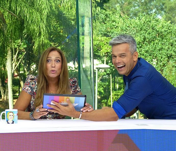 Susana Vieira recebe pedido de casamento durante o Vídeo Show ao vivo (Foto: Cristina Cople / Gshow)