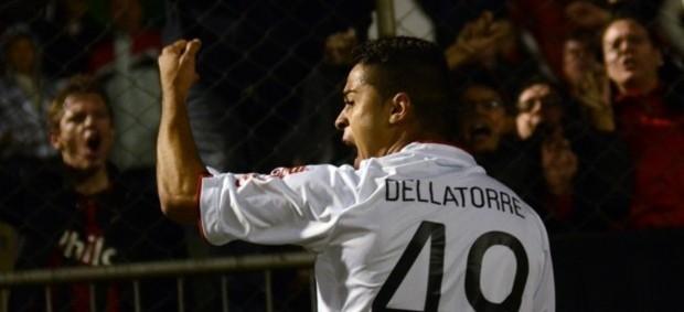 Dellatorre, atacante, comemora gol do Atlético-PR (Foto: Site oficial do Atlético-PR/Gustavo Oliveira)