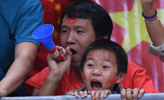 Sérvia x China vôlei final torcida (Foto: Juan Mabromata / AFP)