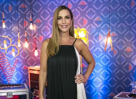 Ivete Sangalo arrasa com vestido de franjas na estreia das Batalhas do 'The Voice Kids'