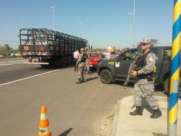 Barreiras fixas vão funcionar em 10 pontos das rodovias catarinenses (Foto: Denise de Medeiros/RBS TV)