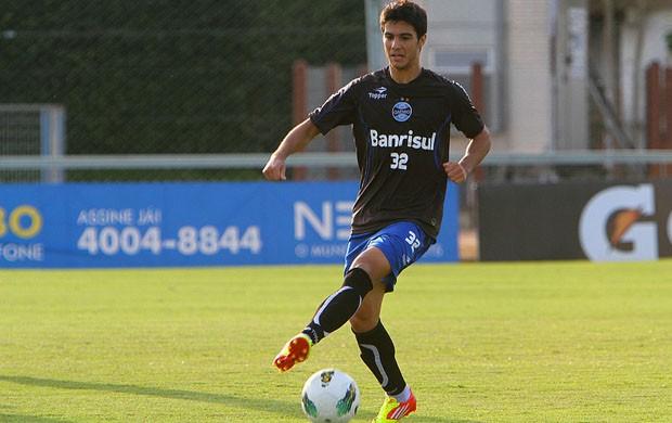 Bertoglio volta a treinar com bola (Foto: Lucas Uebbel/Grêmio, DVG)