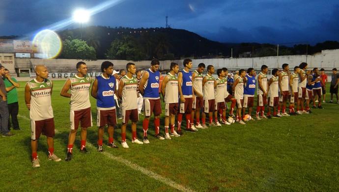 Torcida do CSA marcou presença na apresentação do novo elenco do clube (Foto: Leonardo Freire/GloboEsporte.com)