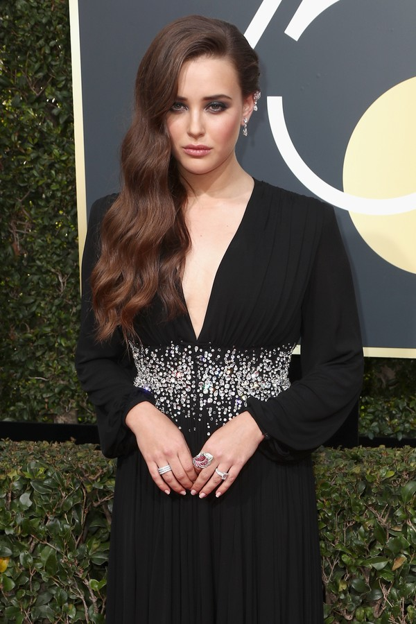 BEVERLY HILLS, CA - JANUARY 07:  Actor Katherine Langford attends The 75th Annual Golden Globe Awards at The Beverly Hilton Hotel on January 7, 2018 in Beverly Hills, California.  (Photo by Frederick M. Brown/Getty Images) (Foto: Getty Images)