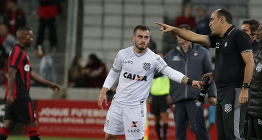 gosto amargo (Luiz Henrique/Figueirense FC)