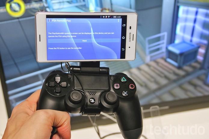 O Xperia Z3 pode substituir a TV durante um jogo no PS4  (Foto: Fabrício Vitorino/TechTudo)