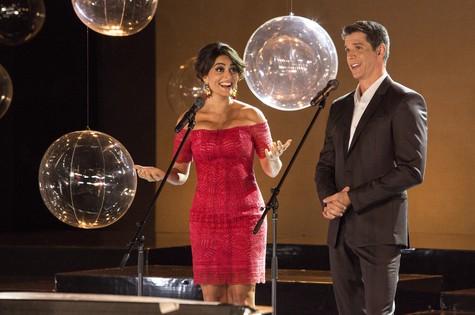Juliana Paes e Marcio Garcia no 'Globo de ouro palco VIVA' (Foto: Tabach)