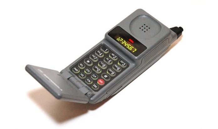 Motorola PT-550 foi lançado em 1990 (Foto: (Foto: Divulgação/Motorola))