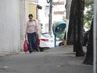 Pedestre ainda sofre com calçadas nada cidadãs em Vitória