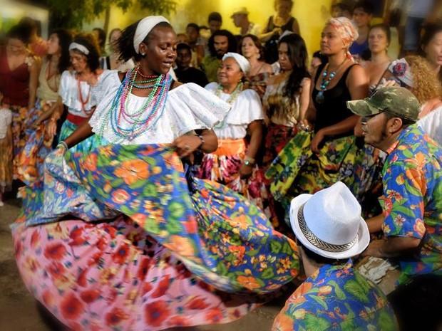 Carla Coureira dança em rodas de tambor de crioula no centro histórico (Foto: Divulgação/Márcio Vasconcelos)