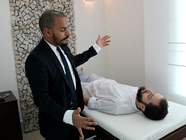 Pacientes acometidos por  doenças físicas, mentais e emocionais tiveram melhora ou alcançaram a cura após sessões  (Foto: Ive Rylo / G1 AM)