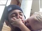 Neymar posa com o filho em rede social: 'Sem legenda'