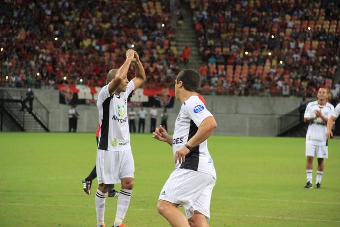 José Aldo amistoso em Manaus (Foto: Marcos Dantas)
