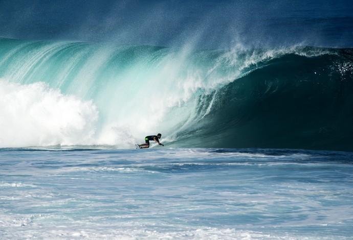 Pedro Scooby mal chegou no Havaí e já foi curtir os tubos de Pipeline (Foto: Pedro Gomes Photography)