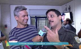 Otaviano Costa invade o camarim de 'Chapa Quente'