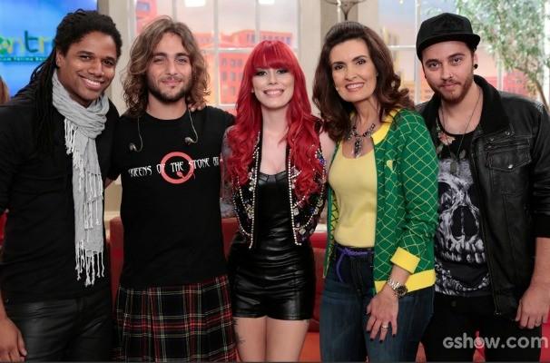 Move Over canta no palco do Encontro (Foto: Felipe Monteiro/TV Globo)